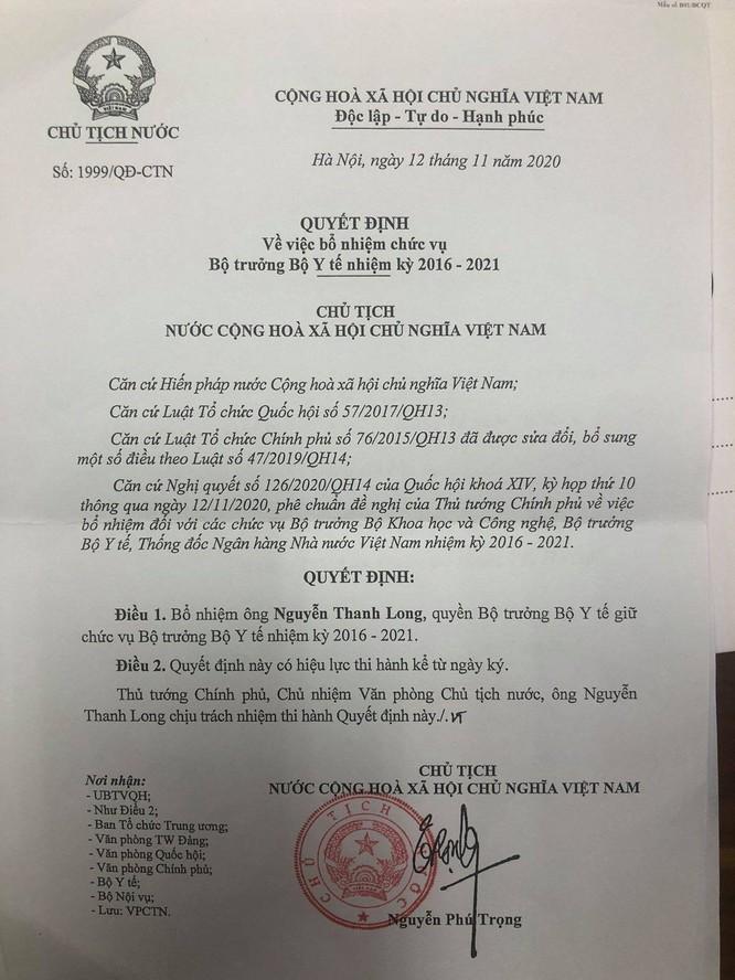 Thủ tướng Nguyễn Xuân Phúc trao quyết định Bộ trưởng Bộ Y tế cho GS.TS. Nguyễn Thanh Long ảnh 3