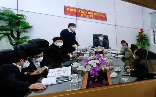 """Thủ tướng Nguyễn Xuân Phúc: Chính phủ, Bộ Y tế đánh giá cao sự hy sinh của các """"chiến sĩ áo trắng"""" ảnh 3"""