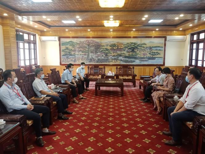 GS.TS.BS.Tạ Thành Văn và Đoàn công tác Trường Đại học Y Hà Nội vào tâm dịch COVID-19 ở Bắc Ninh ảnh 2