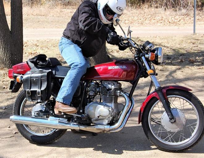 Mẹo giúp khởi động xe máy dễ dàng vào buổi sáng ảnh 1