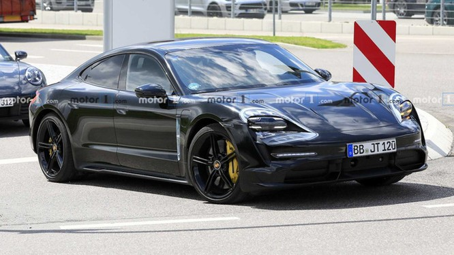 Nội thất Porsche Taycan lần đầu lộ diện ảnh 4