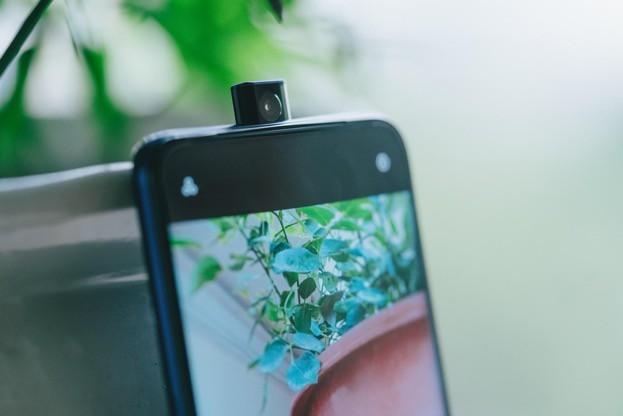 Camera selfie 'thò thụt': Xu hướng nhất thời hay tương lai của thị trường smartphone ảnh 3