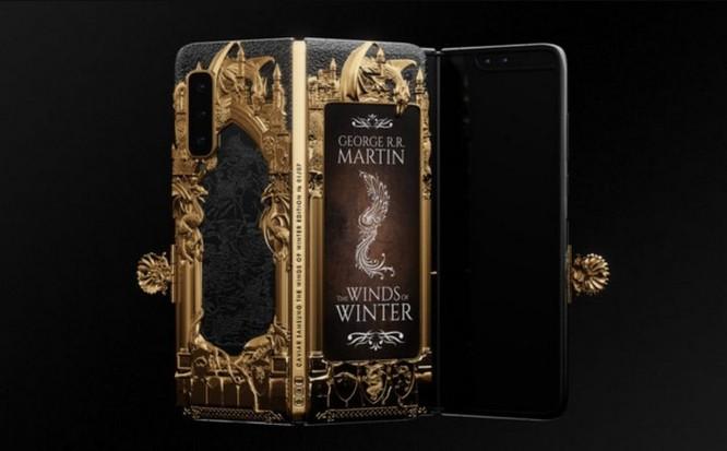 Caviar ra mắt Galaxy Fold phiên bản Game of Thrones, dát vàng xung quanh, giá iên tới 8.180 USD ảnh 1