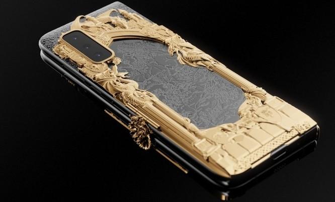 Caviar ra mắt Galaxy Fold phiên bản Game of Thrones, dát vàng xung quanh, giá iên tới 8.180 USD ảnh 5