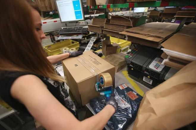 Amazon biến công việc tại nhà kho của mình thành trò chơi để giảm stress cho nhân viên ảnh 2