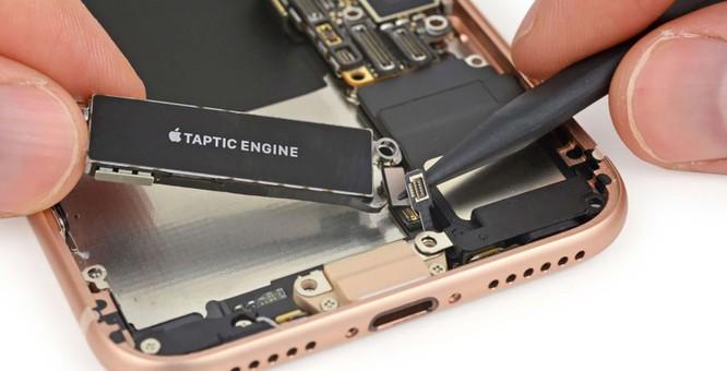 iFixit đánh giá cao bộ rung phản hồi xúc giác của Apple