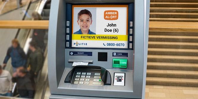 Thông báo trẻ em mất tích trên màn hình máy ATM ảnh 1