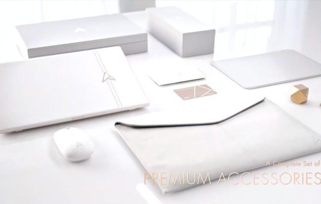 Asus ra mắt chiếc laptop được làm bằng vàng và da để kỉ niệm 30 năm ảnh 1