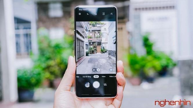 Trên tay Galaxy A80 giá 15 triệu đồng tại Việt Nam ảnh 7