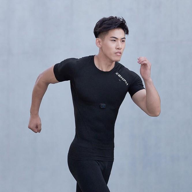 Xiaomi có mẫu áo thể thao xịn như được Iron Man chế tạo ảnh 2