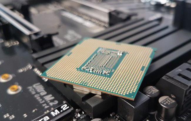 Tin đồn: Intel sắp giảm giá cực mạnh các dòng CPU của mình để cạnh tranh với Ryzen 3000 của AMD ảnh 1