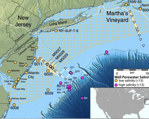 Hồi nước ngoài khơi bờ biển Hoa Kỳ, với phần da cam là nước có độ mặn thấp.