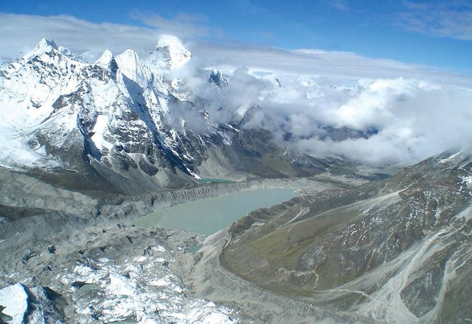 Sông băng ở Himalaya tan với tốc độ báo động ảnh 2