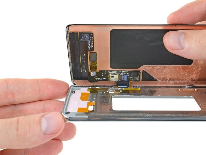 Không có linh kiện Nhật, ngay cả Samsung cũng không thể sản xuất smartphone