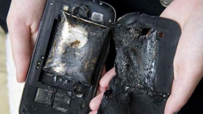 Điện thoại quá nhiệt sẽ xảy ra việc cháy nổ. Ảnh: Android News.