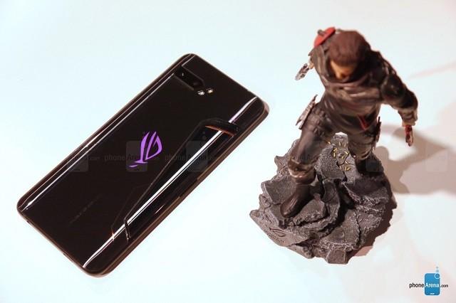 Asus ROG Phone 2 chính thức ra mắt: Chip mạnh nhất thế giới, màn hình 120Hz đầu tiên ảnh 1