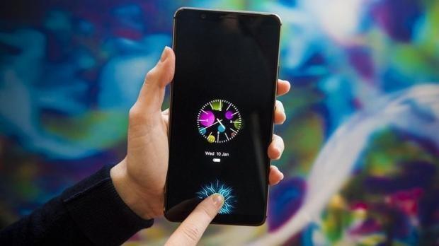 Vivo X20 Plus UD của vivo tại CES 2018 mở ra một cuộc đua công nghệ mới đầy gây cấn