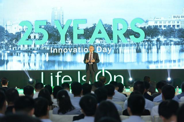 Ông Tommy Leong - Tổng giám đốc Schneider Electric Đông Á và Nhật Bản tại sự kiện kỷ niệm 25 năm của Schneider Electric Việt Nam
