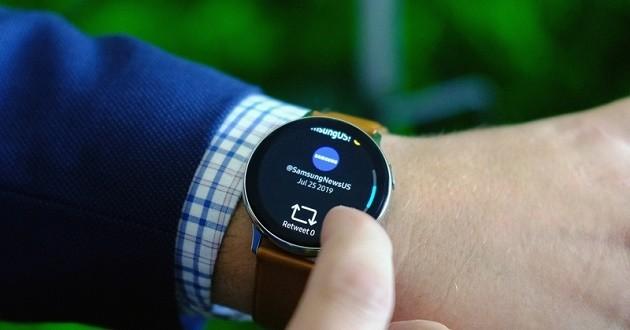Galaxy Watch Active 2 ra mắt: khung viền cảm ứng, hỗ trợ LTE ảnh 1