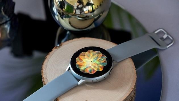 Galaxy Watch Active 2 ra mắt: khung viền cảm ứng, hỗ trợ LTE ảnh 3