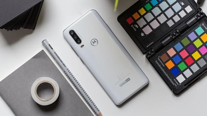 Motorola One Action ra mắt: điểm nhấn camera góc siêu rộng ảnh 2
