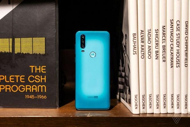 Motorola One Action ra mắt: điểm nhấn camera góc siêu rộng ảnh 3
