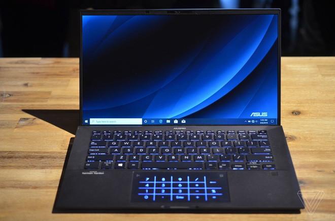 Asus ra mắt laptop nhẹ nhất thế giới, trọng lượng 880g ảnh 2