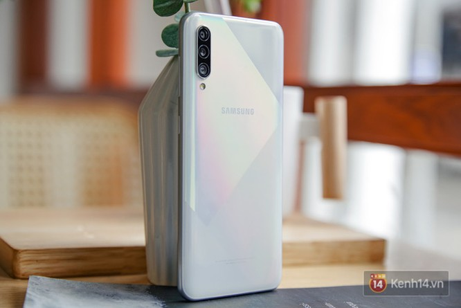 Đánh giá tổng thể Galaxy A50s: Nâng cấp nhỏ - thay đổi lớn - Ảnh 2.