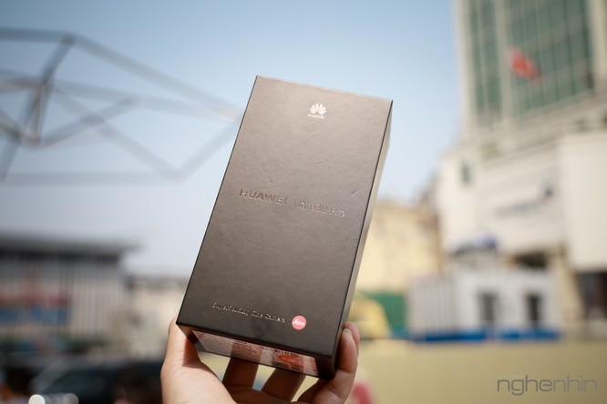 Trên tay Mate 30 Pro vừa về Việt Nam: thiết kế cân đối, nhiều cái mới, giá từ 23 triệu ảnh 11