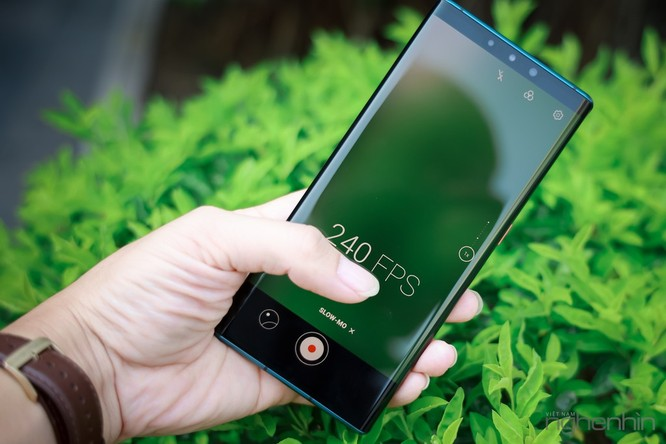 Trên tay Mate 30 Pro vừa về Việt Nam: thiết kế cân đối, nhiều cái mới, giá từ 23 triệu ảnh 10