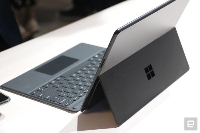 Surface Pro X: chiếc Surface đẹp nhất Microsoft từng tạo ra, giá từ 999 USD ảnh 3