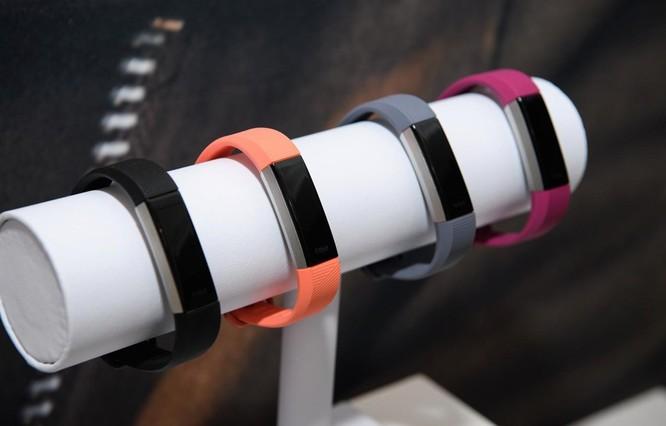 Vòng đeo tay thông minh Fitbit. (Nguồn: Getty Images)