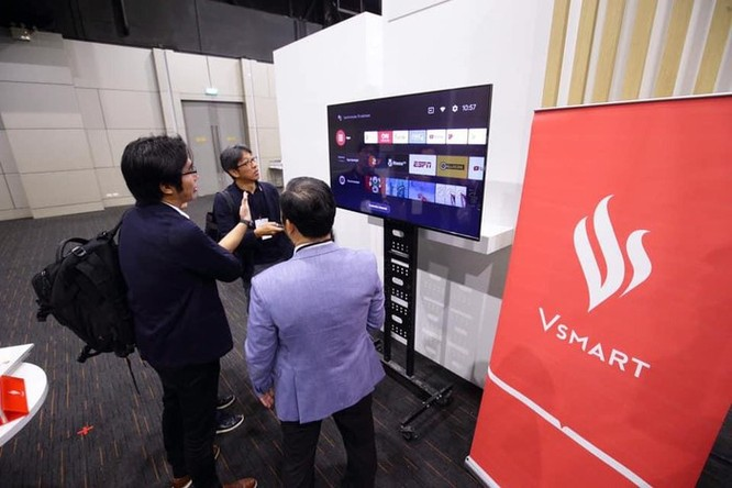 Tivi Vsmart 4K, tỷ phú Phạm Nhật Vượng