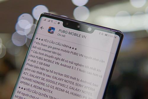 Nhiều game mobile yêu cầu cấu hình mạnh, kết nối dữ liệu liên tục gây ngốn pin. Ảnh: Lưu Quý