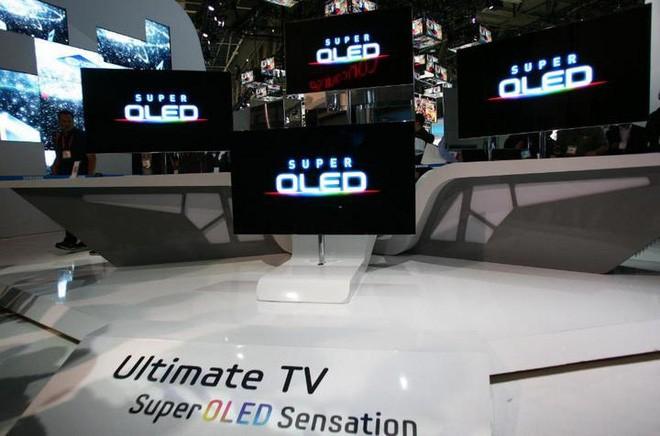 Samsung đang tiến gần hơn bao giờ hết tới công nghệ TV QD-OLED, hứa hẹn sẽ là đối trọng đáng gờm với TV OLED của LG - Ảnh 2.