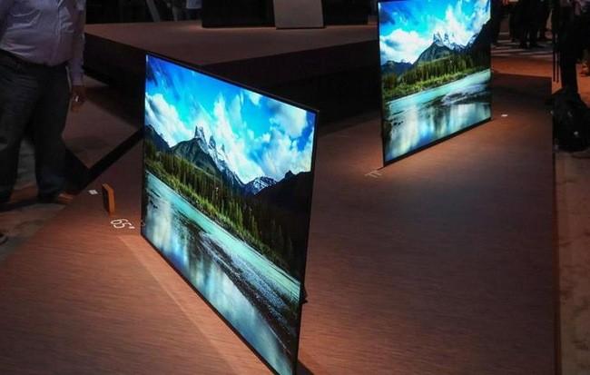 Samsung đang tiến gần hơn bao giờ hết tới công nghệ TV QD-OLED, hứa hẹn sẽ là đối trọng đáng gờm với TV OLED của LG ảnh 1