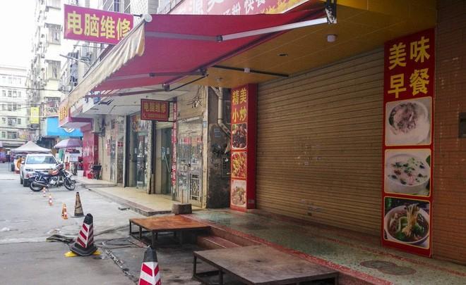 Samsung chuyển nhà máy sang Việt Nam vì thương chiến, thành phố Trung Quốc đang sầm uất bỗng chốc biến thành thành phố ma - Ảnh 1.