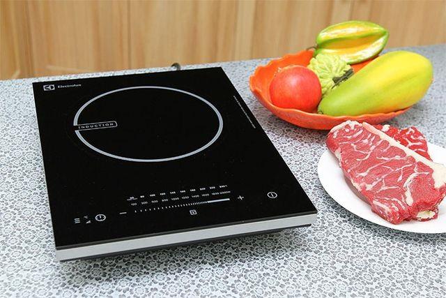 Nấu lẩu nên chọn nồi điện hay bếp từ để hiệu quả, lại tiết kiệm điện? - 3