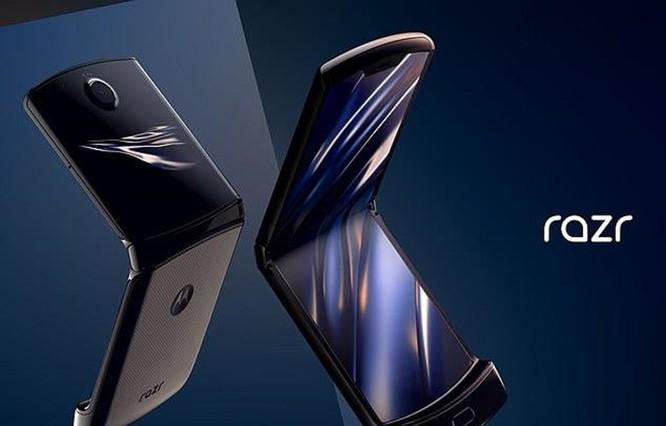Nhu cầu cao vượt mong đợi, Motorola hoãn phát hành điện thoại Razr ảnh 1