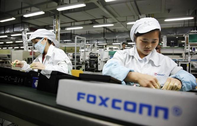 Công nhân Foxconn ăn trộm linh kiện iPhone, kiếm lời tới 43 triệu USD ảnh 1
