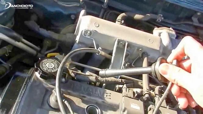 Những lỗi xe ô tô thường gặp sau nhiều năm sử dụng ảnh 2