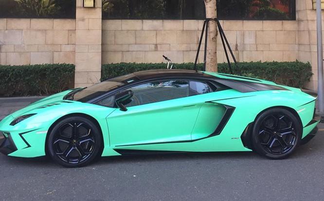 Chiếc Lamborghini Aventador khi còn nguyên vẹn. (Ảnh: FBNV)