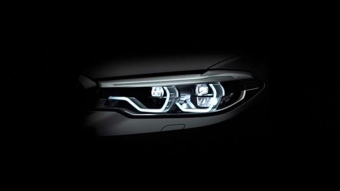 Hệ thống đèn chiếu sáng Matrix LED trên những xe BMW 5 - Series