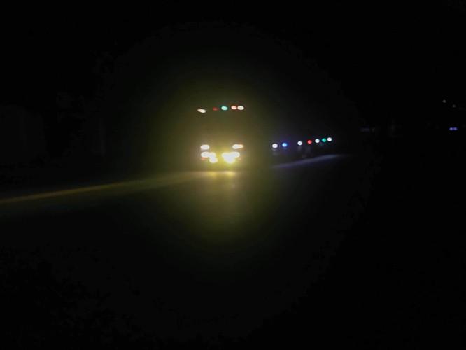 Sử dụng đèn pha, nhất là ban đêm có thể gây nhiều nguy cơ mất an toàn với xe đi ngược chiều
