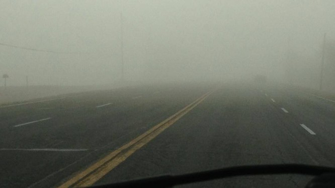 Lái xe gặp phải sương mù cần chú ý điều gì để đảm bảo an toàn? ảnh 4