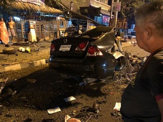 Chiếc xe trở thành đống sắt vụn sau vụ va chạm. Nguồn: Tdaily.