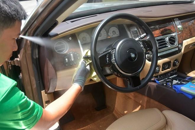 Với PowerSteam, nội thất xe đã có thể làm sạch với nhiệt độ hơi nước lên đến 100 độ C để diệt khuẩn.