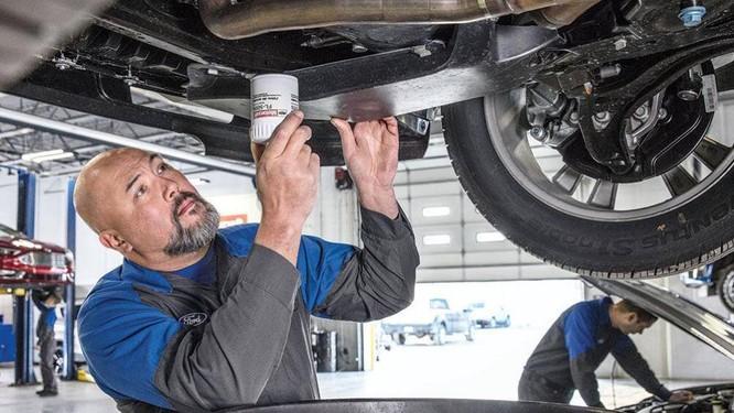 Không nên tự cân chỉnh lại góc bánh xe ô tô, bởi làm thế có thể sẽ khiến bánh xe bị lệch nặng hơn lúc đầu