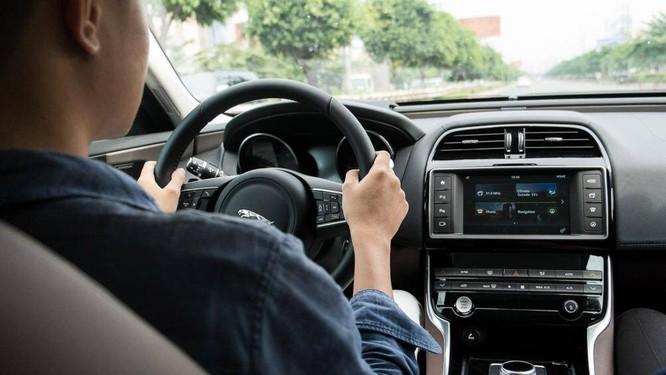 Vô lăng trên ô tô sẽ quyết định tới hướng di chuyển của xe