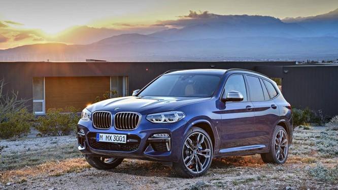 Tại Việt Nam, BMW X3 nằm cùng phân khúc và tầm giá với Mercedes-Benz GLC, Audi Q5, Volkswagen Tiguan hay Volvo XC60